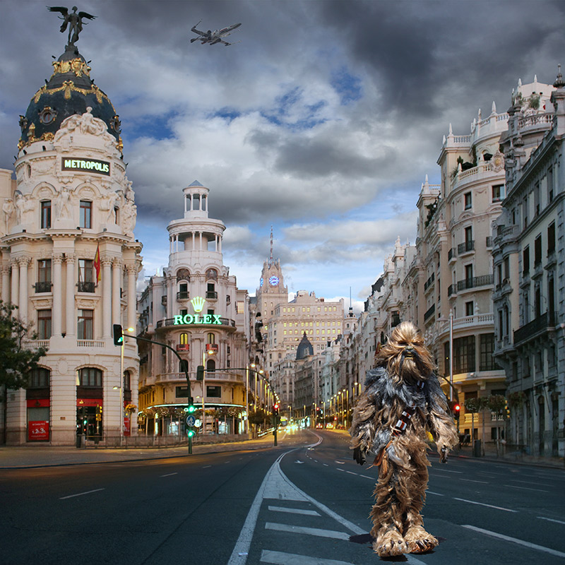 Chewbacca Walking Down la Gran Vía